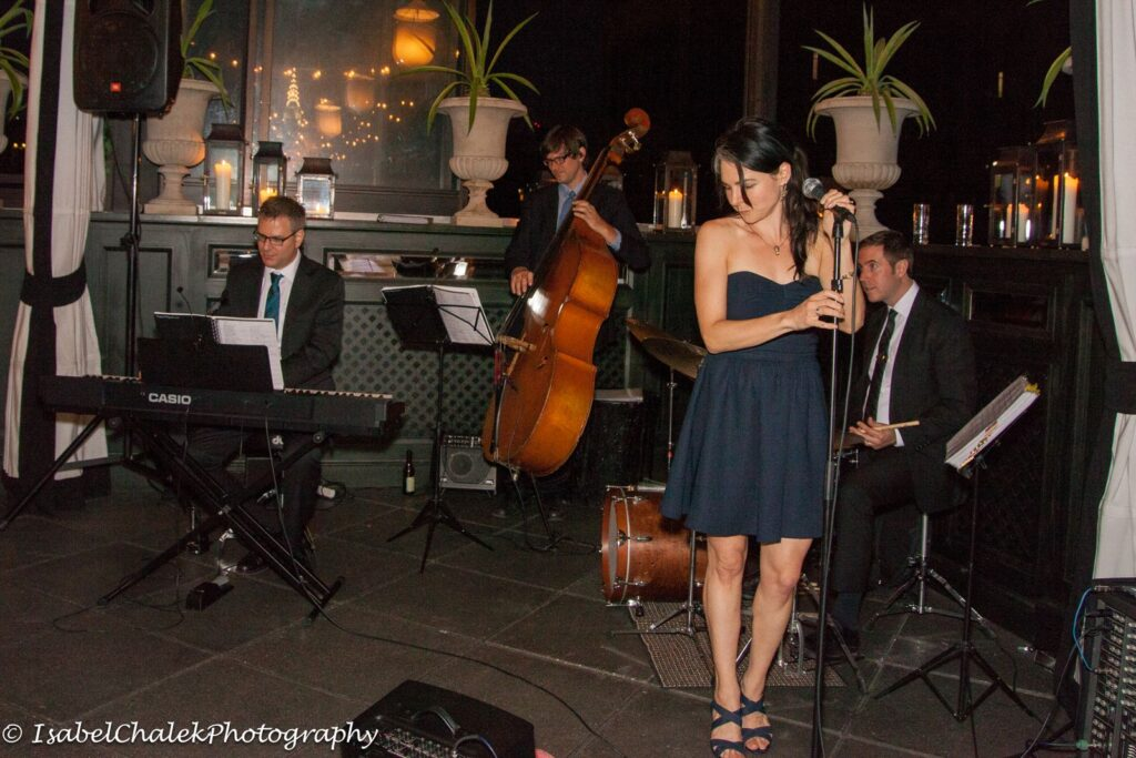 the-lovesome-nyc-jazz-wedding-band-rnb-vintage-40s-50s-60s-70s-reception